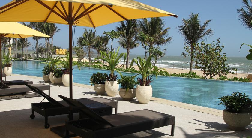 Chỗ nghỉ ở Long Hải thường có tầm nhìn ra bãi biển rất đẹp.