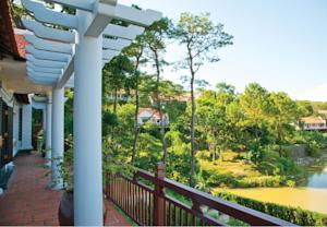 Deluxe Pine Hill Villa