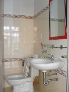 Phòng cho 3 Người với Phòng tắm riêng