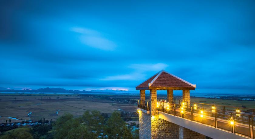 Victoria Núi Sam Lodge