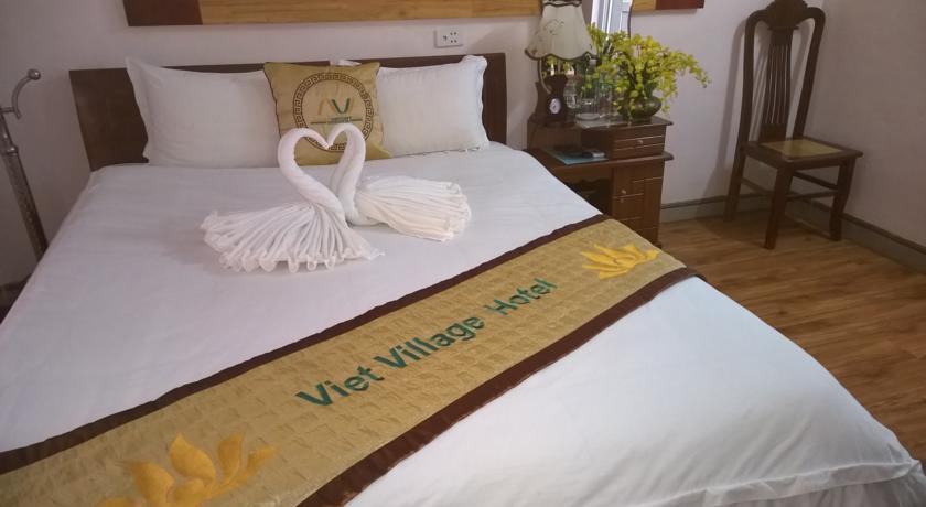 Khách sạn Việt Village