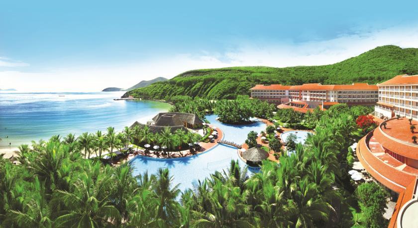 Có rất nhiều khu nghỉ dưỡng cao cấp ở Hòn Mun cho bạn lựa chọn.
