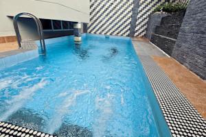 Biệt thự 4 Phòng ngủ với Hồ bơi Riêng