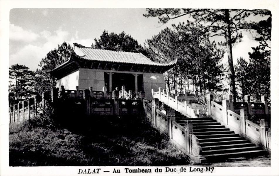 Một bức ảnh cổ của lăng Nguyễn Hữu Hào