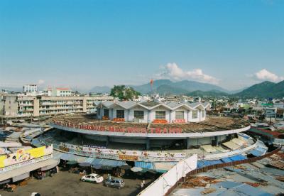 Những ngôi chợ nổi tiếng nhất ba miền
