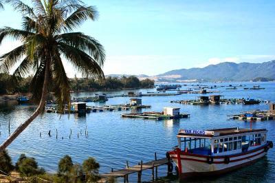 Những kiệt tác thiên nhiên đẹp mê hồn ở Vịnh Vân Phong