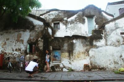 Tìm hiểu bí mật bức tường được chụp ảnh nhiều nhất ở Hội An