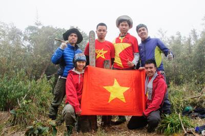 Chinh phục đỉnh Pu Si Lung - nóc nhà vùng biên giới