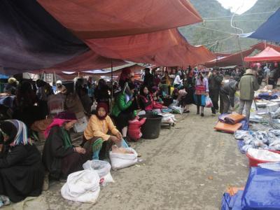 Chợ lùi Sà Phìn độc đáo ở Hà Giang