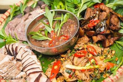 Du lịch Mộc Châu khám phá văn hóa ẩm thực người Thái