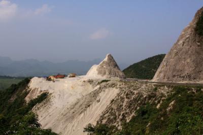 Cảnh đẹp hùng vĩ đèo Thung Khe Hòa Bình