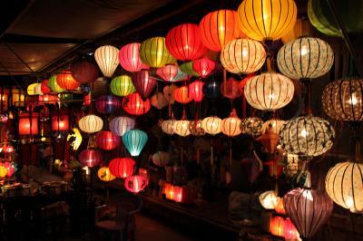 Độc đáo đèn lồng phố cổ Hội An