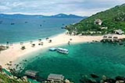 Du lịch Nha Trang khám phá một bờ cát, hai bãi tắm hiếm có ở Việt Nam