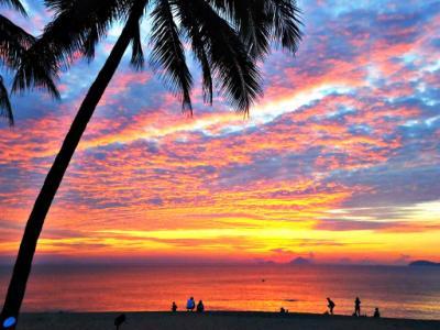 Ngắm Biển Nha Trang đẹp diệu kỳ từ bình minh đến hoàng hôn
