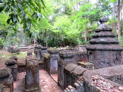 Nghĩa trang thái giám độc nhất vô nhị ở Huế