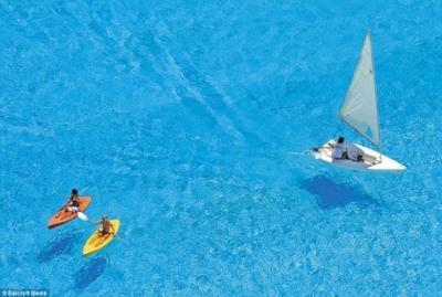 Sững sờ trước vẻ đẹp hồ bơi lớn nhất thế giới