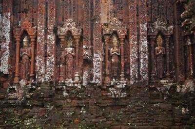 Vẻ đẹp bí ẩn của khu thánh địa lâu đời nhất Việt Nam
