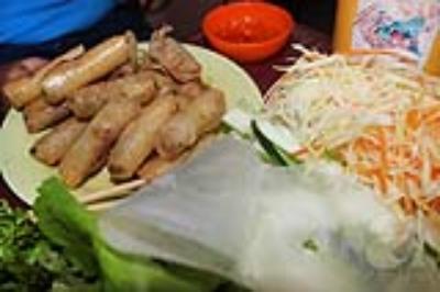 Ram cuốn cải  món ăn dân dã hấp dẫn ở Đà Nẵng