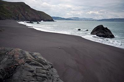 7 bãi biển có màu cát đẹp nhất thế giới