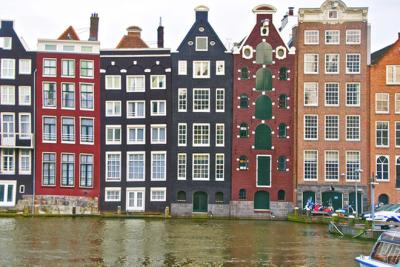 Amsterdam xinh đẹp không chỉ hút khách bằng phố đèn đỏ
