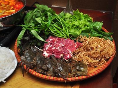 Cua cà ra và lẩu xí quách ngon khó quên ở Hà Nội