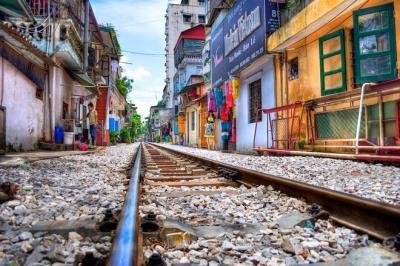 Cuộc sống thanh bình của 'Xóm đường ray' Hà Nội dưới góc nhìn của du khách nước ngoài