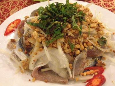 Đến Phú Quốc phải ăn gỏi cá trích
