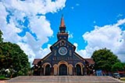 Độc đáo ngôi nhà thờ gỗ hơn 100 tuổi ở Kon Tum