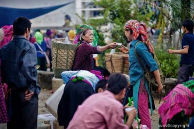 Độc đáo những phiên chợ miền cao nguyên đá Hà Giang