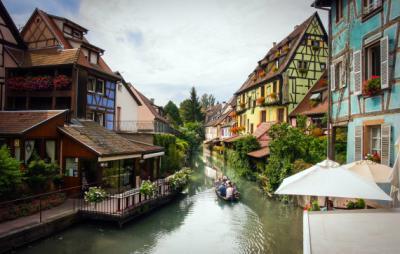 Những ngôi làng Châu Âu đẹp như truyện cổ tích