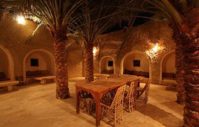 Trở về thời cổ đại với khách sạn không ánh điện giữa sa mạc