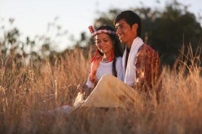 Vẻ đẹp Ninh Thuận qua bộ ảnh cưới người Chăm