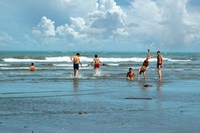 Bãi biển Thịnh Long