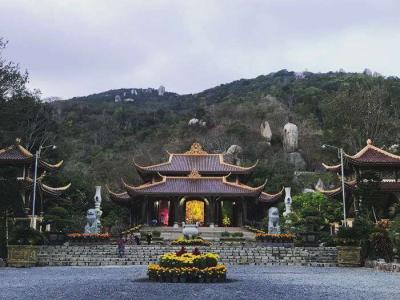 Chùa Khỉ - Thiền Viện Trúc Lâm Chân Nguyên