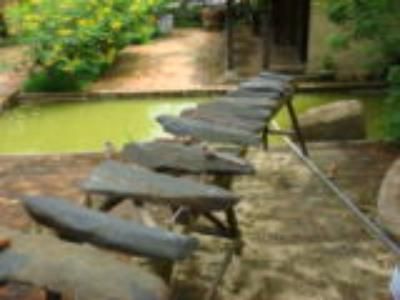 Đàn đá Khánh Sơn