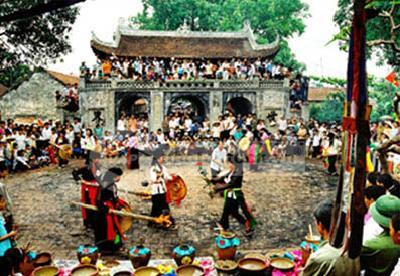 Hội làng Chuông