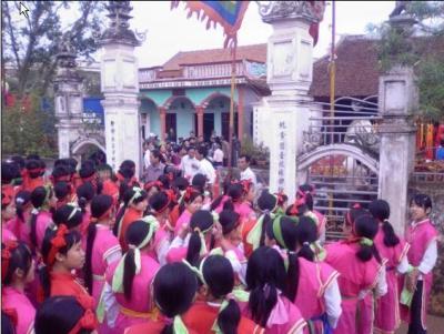 Hội làng Vọng Nguyệt