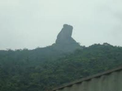 Hòn vọng phu núi Bà