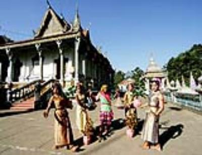 Lễ Ooc-Om-Bok và hội đua ghe ngo