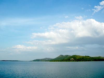 Núi Cậu - Hồ Dầu Tiếng