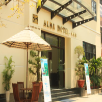 Khách sạn Alba