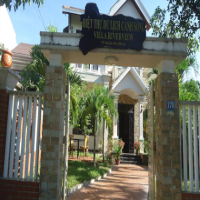 Villa Riverview
